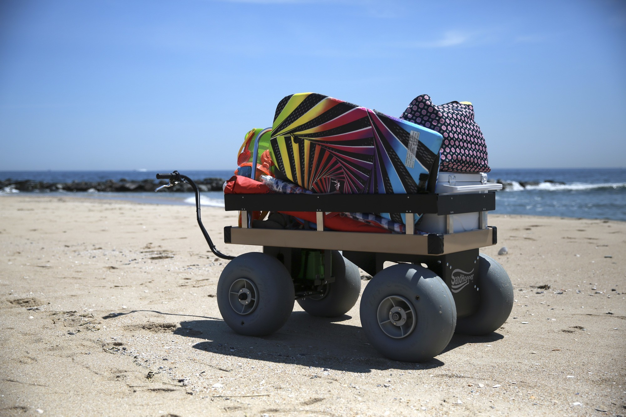 eletric-beach-cart-on-beach-3